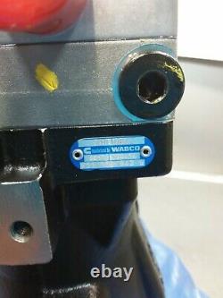 NOS Genuine Cummins Wabco Single Cylinder Air Compressor 5301084. NO CORE
